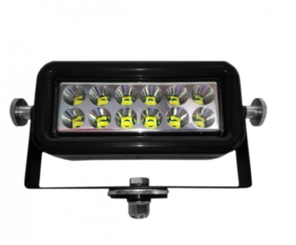 LED Arbeitsscheinwerfer für 12-30V - 2000 Lumen!